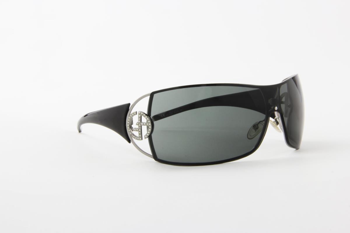 075d2e739bfbe óculos de sol giorgio armani em metal hastes acetato preto. Carregando zoom.