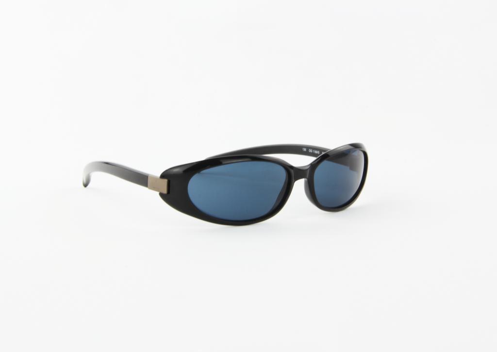 Óculos De Sol Gucci Acetato Retrô Preto Lente Preta - R  150,00 em ... 070f02d005