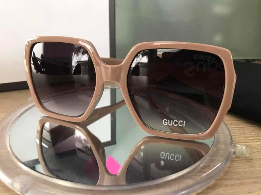 324a0ad8acf94 Óculos De Sol Gucci Quadrado Nude Gg0498 - R  279,99 em Mercado Livre