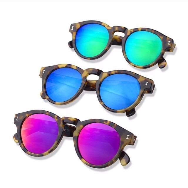 362286694 Óculos De Sol Illesteva Espelhado Rosa, Verde, Azul E Prata - R$ 85 ...