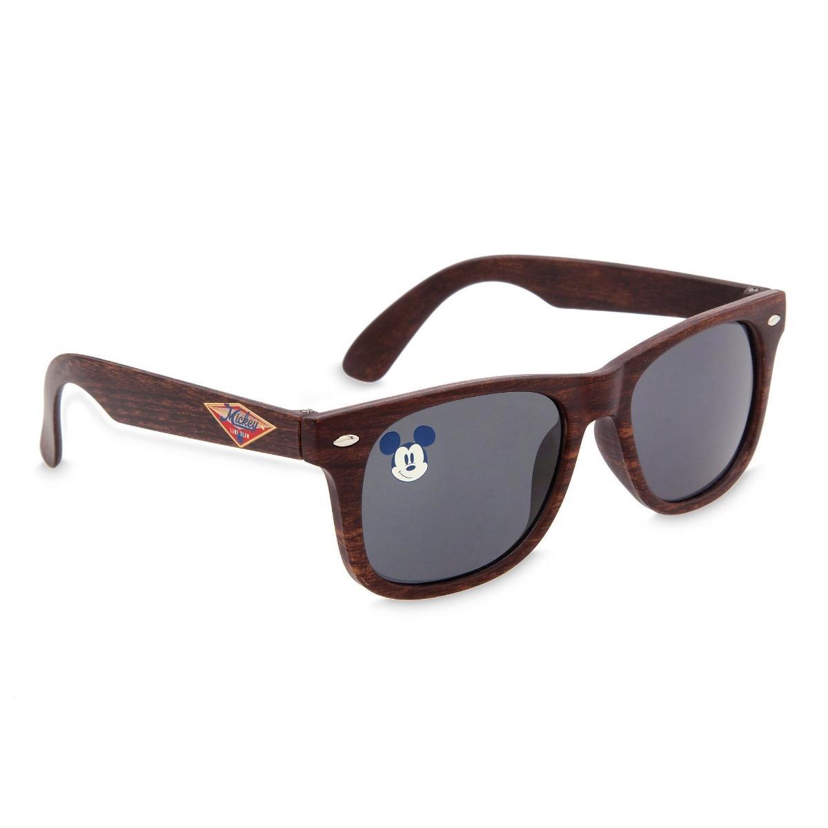 Óculos De Sol Infantil Mickey Wayfarer Disney Store - R  59,00 em ... 34f8e3d126