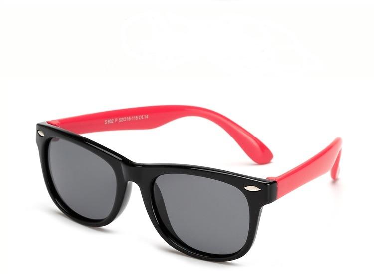 7af77cd398ea5 Óculos De Sol Infantil Polarizado Unissex Flexível - R  79