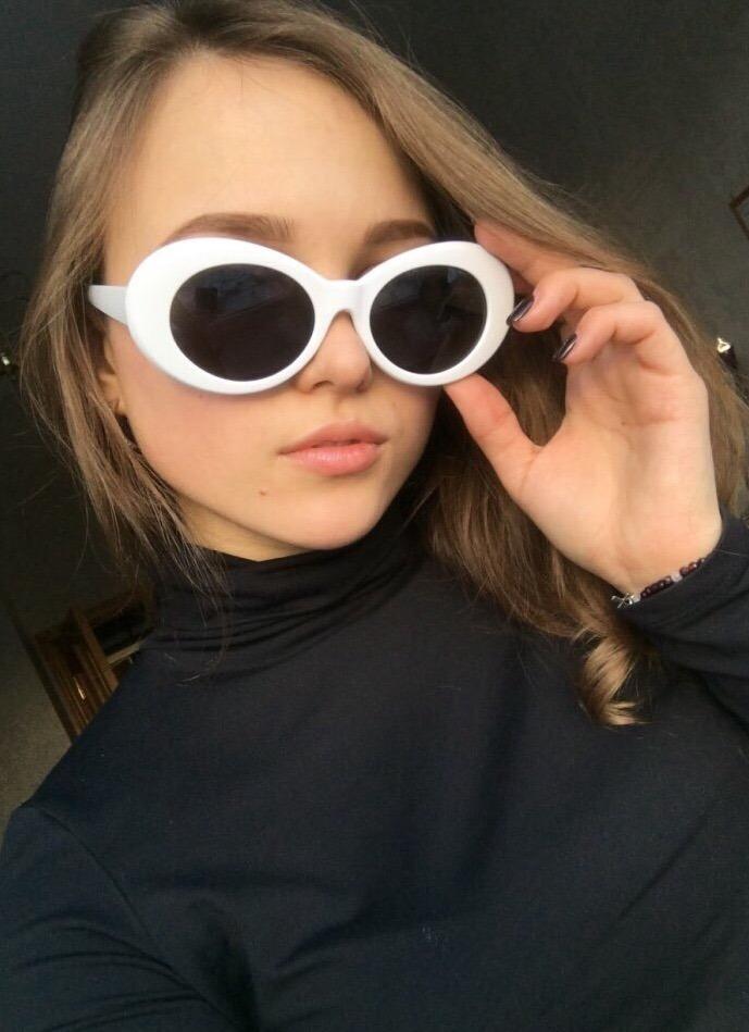 0b8dfd8830d2a óculos de sol kurt cobain masculino feminino proteção uva. Carregando zoom.