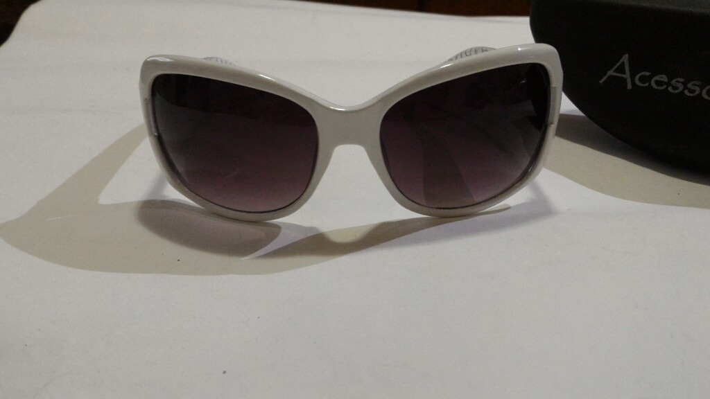 3d91c50e20696 oculos de sol lojas renner branco design. Carregando zoom.