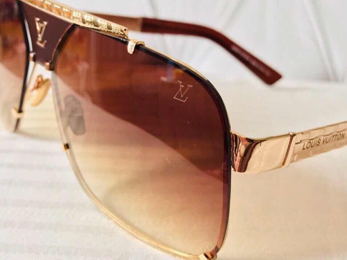 Óculos De Sol Louis Vuitton Classic2 - R  149,00 em Mercado Livre d21533f3ed