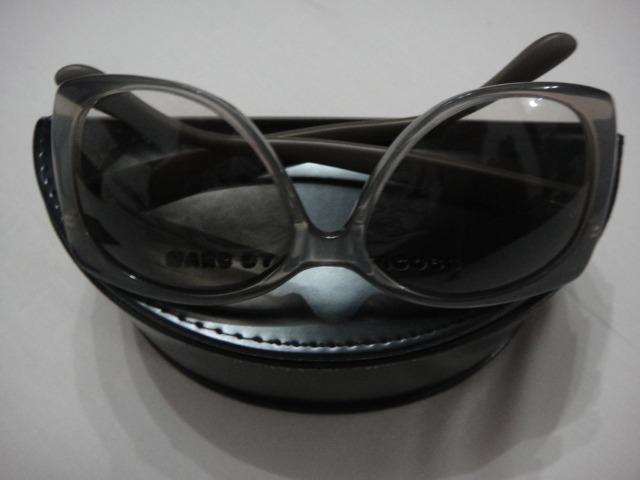 b6e962a93dca8 Óculos De Sol Marc Jacobs - Original - Feminino - Usado - R  290