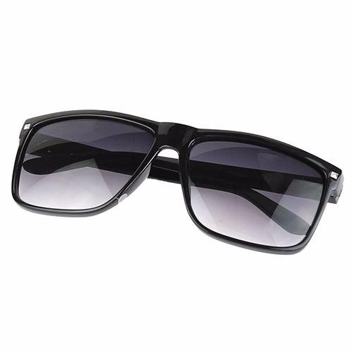 Óculos De Sol Masculino E Feminino Lentes Degrade Preto - R  40,00 ... 4b377a4fc9