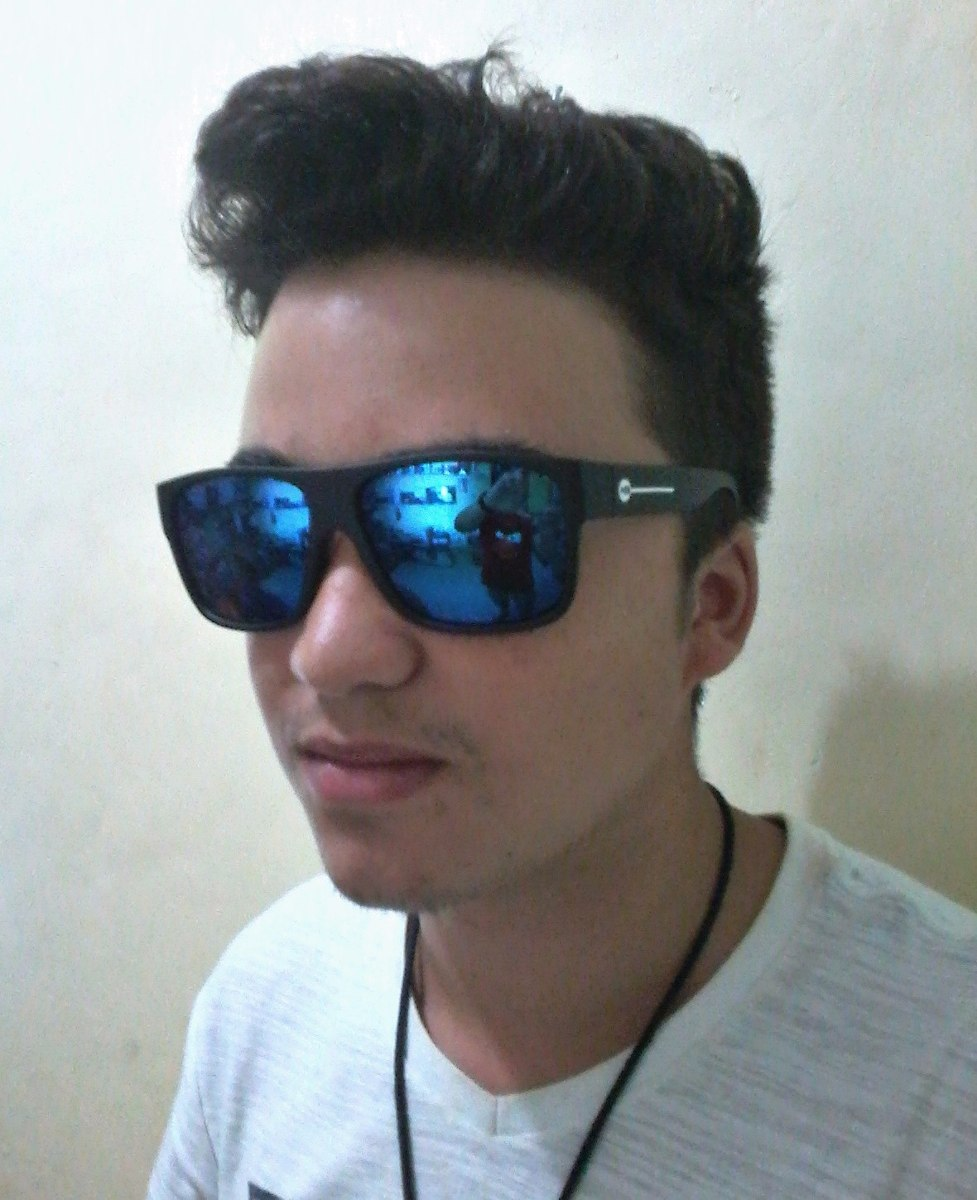 d3e295b70fab3 óculos de sol masculino espelhado azul estiloso. Carregando zoom.