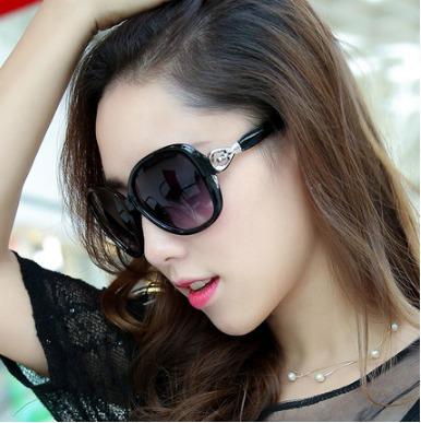 Óculos De Sol Mulheres Elegantes Senhoras Strass Feminino - R  49 bc5302beaa7