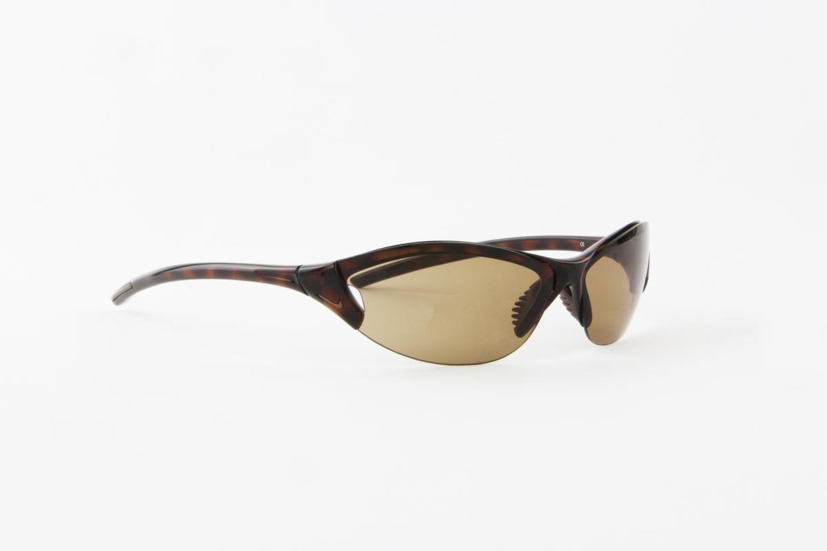Óculos De Sol Nike Marrom Tartaruga Lente Marrom - R  150,00 em ... e25c980994