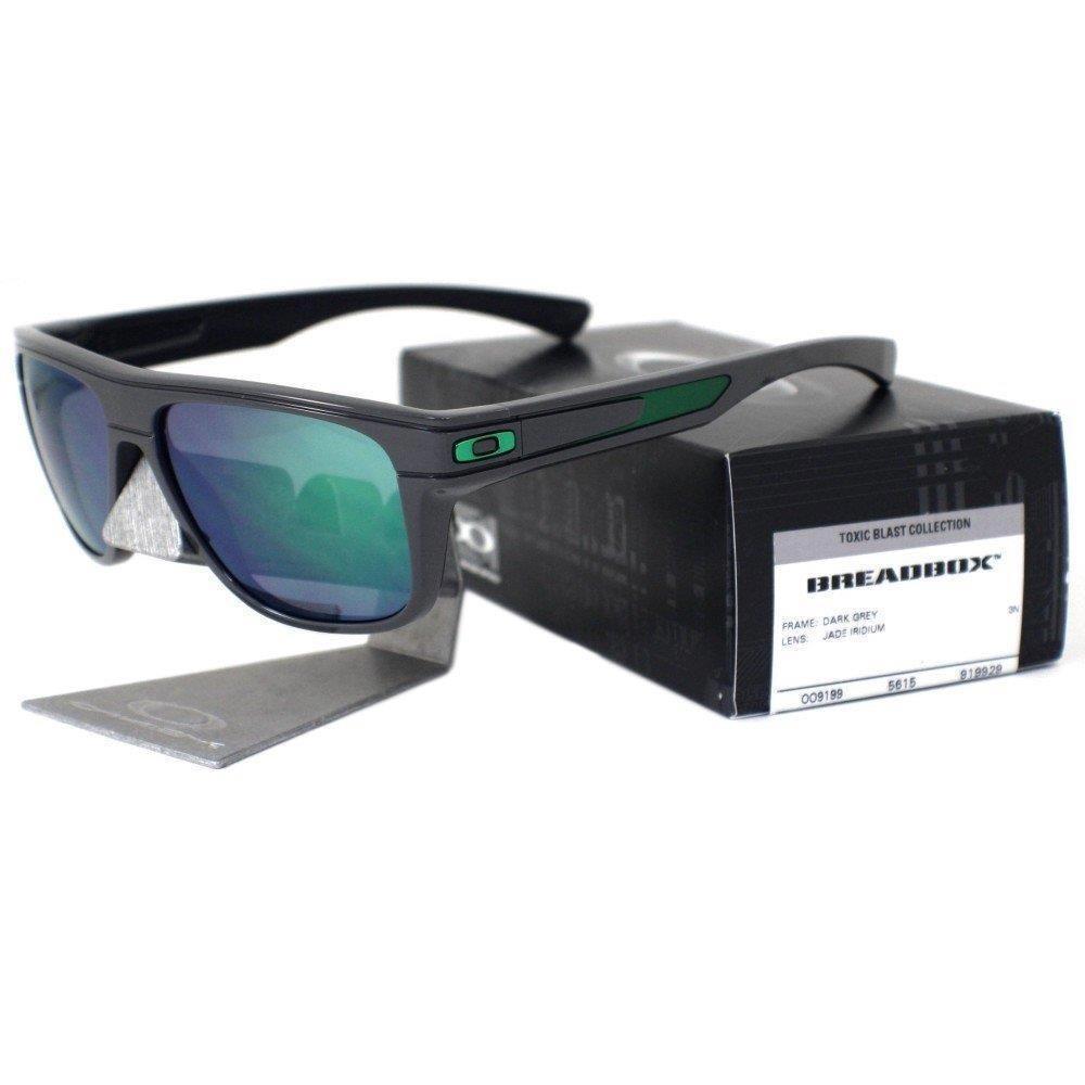 22265f10b770e óculos de sol oakley breadbox - dark grey com jade iridium. Carregando zoom.