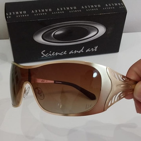 472cfb3cb Oculos Feminino Oakley Dart Board no Mercado Livre Brasil