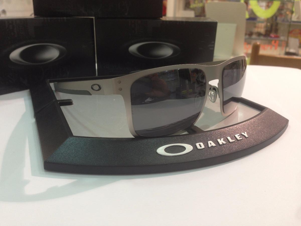 1e7c34f70e121 Óculos De Sol Oakley Holbrook Metal 4123-06 - R  678,00 em Mercado Livre