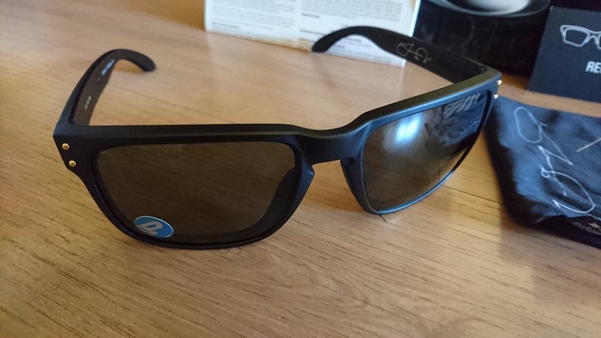 8ac5d229d388a Óculos De Sol Oakley Holbrook Polarizado - Preto ouro - R  430