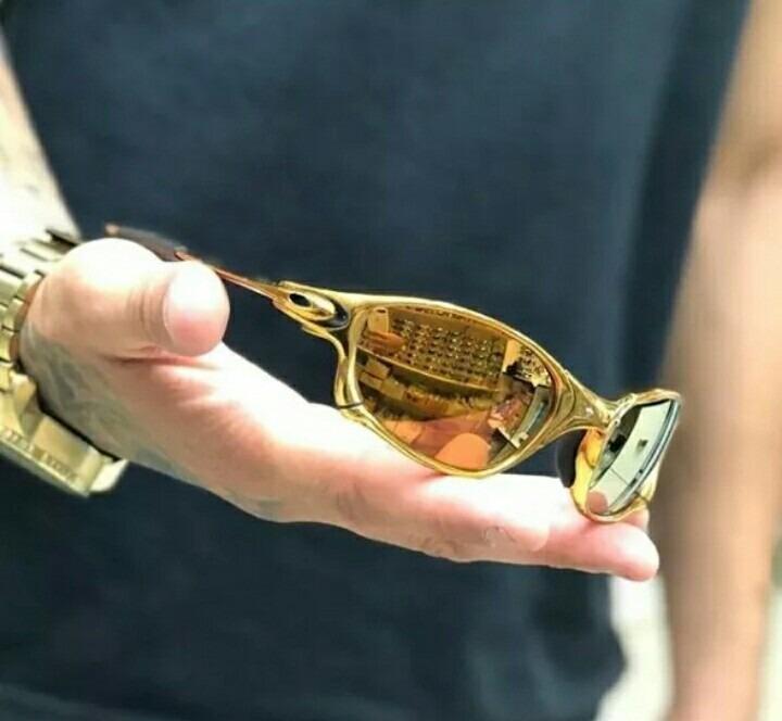 b8d3be695 Óculos De Sol Oakley-juliet Dourado Polarizado - Importado! - R$ 119,30 em  Mercado Livre