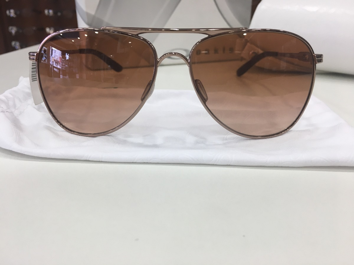 bee8ea79c Óculos De Sol Oakley | Oo 4062 01 139 60 14 Marrom - R$ 549,99 em ...