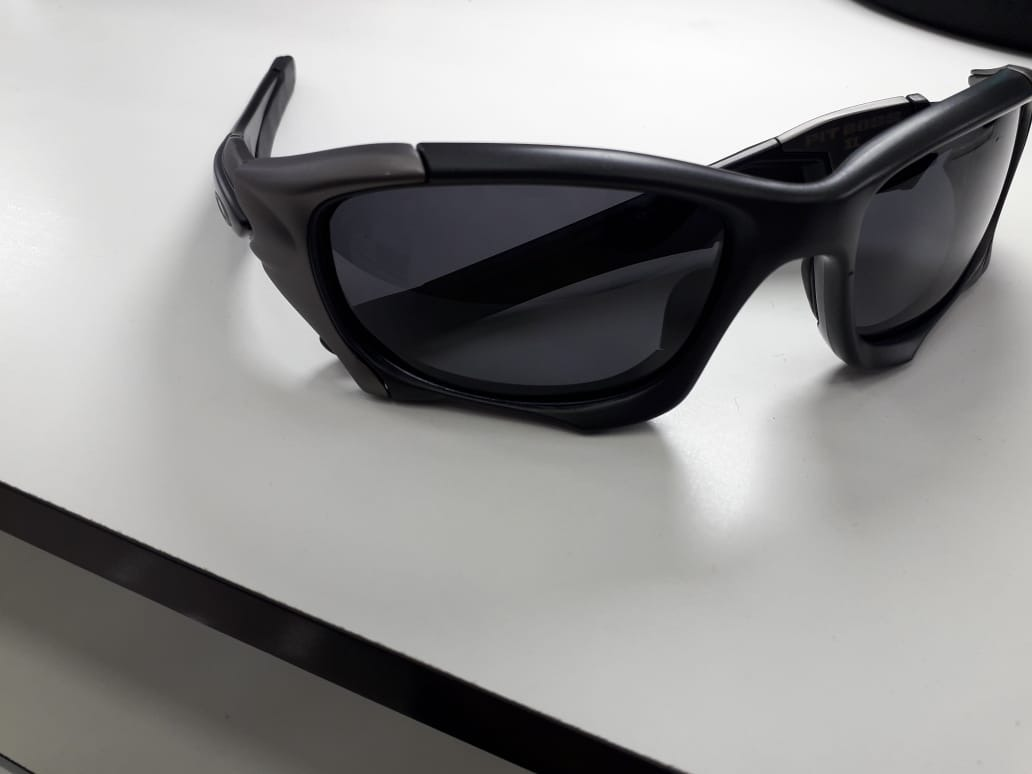 Óculos De Sol Oakley Pit Boss 2 Preto Polarizado - R  120,00 em ... d4a3e578b2