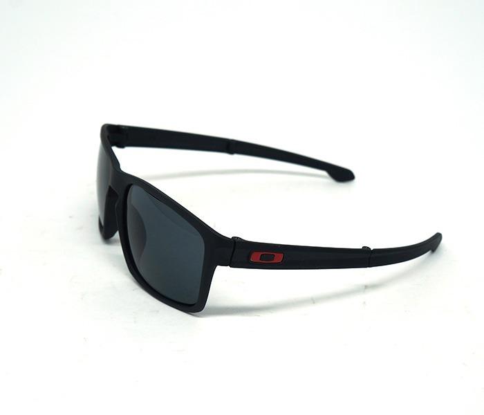 Óculos De Sol Oakley Preto Masculino - R  120 004930cd52610