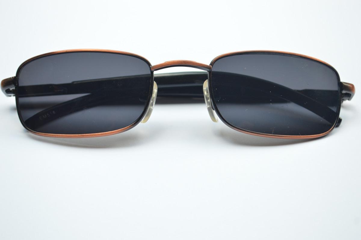 7e47d5a0a0ab3 óculos de sol pequeno quadrado masculino escuro c  dourado. Carregando zoom.