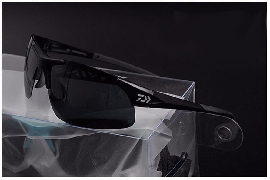 cdd31759b71ec óculos de sol polarizado pesca daiwa preto. Carregando zoom.