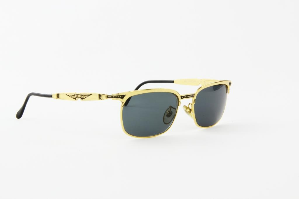 Óculos De Sol Police Em Metal Dourado Lente Preta - R  318,00 em ... 5c97203563