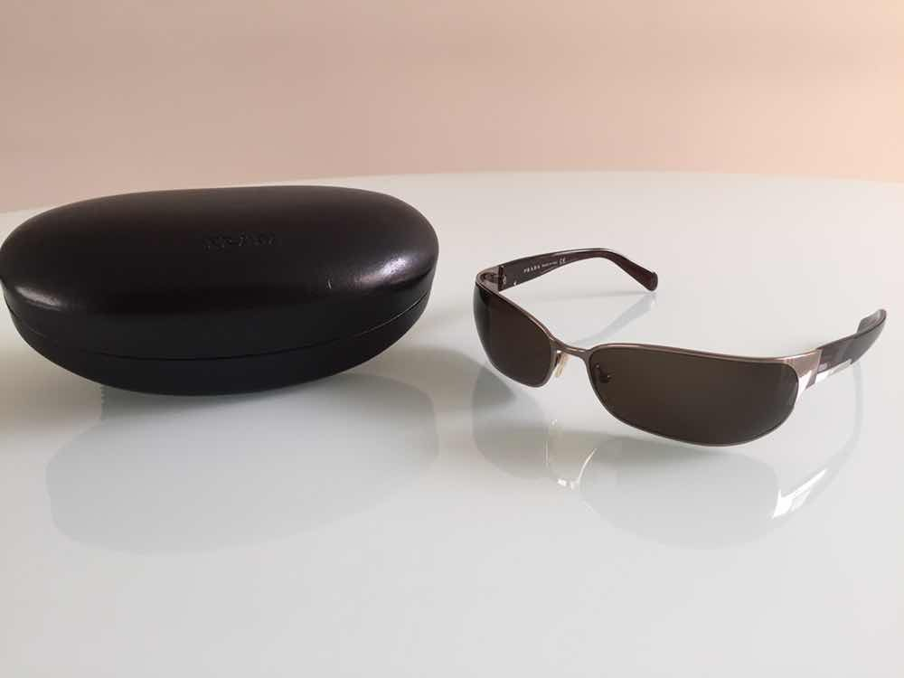 7249c7d8a óculos de sol prada original - certificado de autenticidade. Carregando zoom .