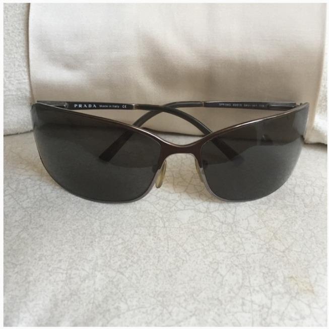 ea0e4db247f7e Óculos De Sol Prada Original Unisex   Feminino Spr-58g - R  799