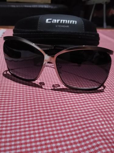 óculos de sol. prateado & fumê carmim