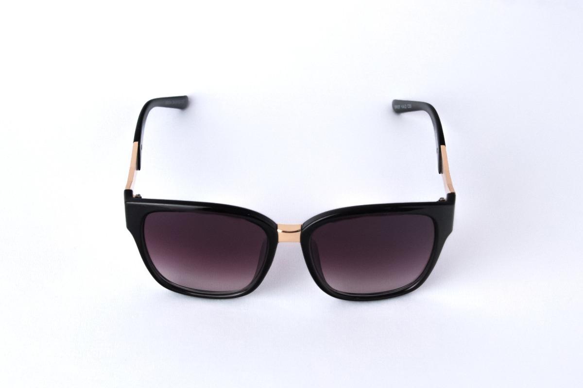 7906827d5a5db óculos de sol quadrado preto com detalhe dourado original. Carregando zoom.