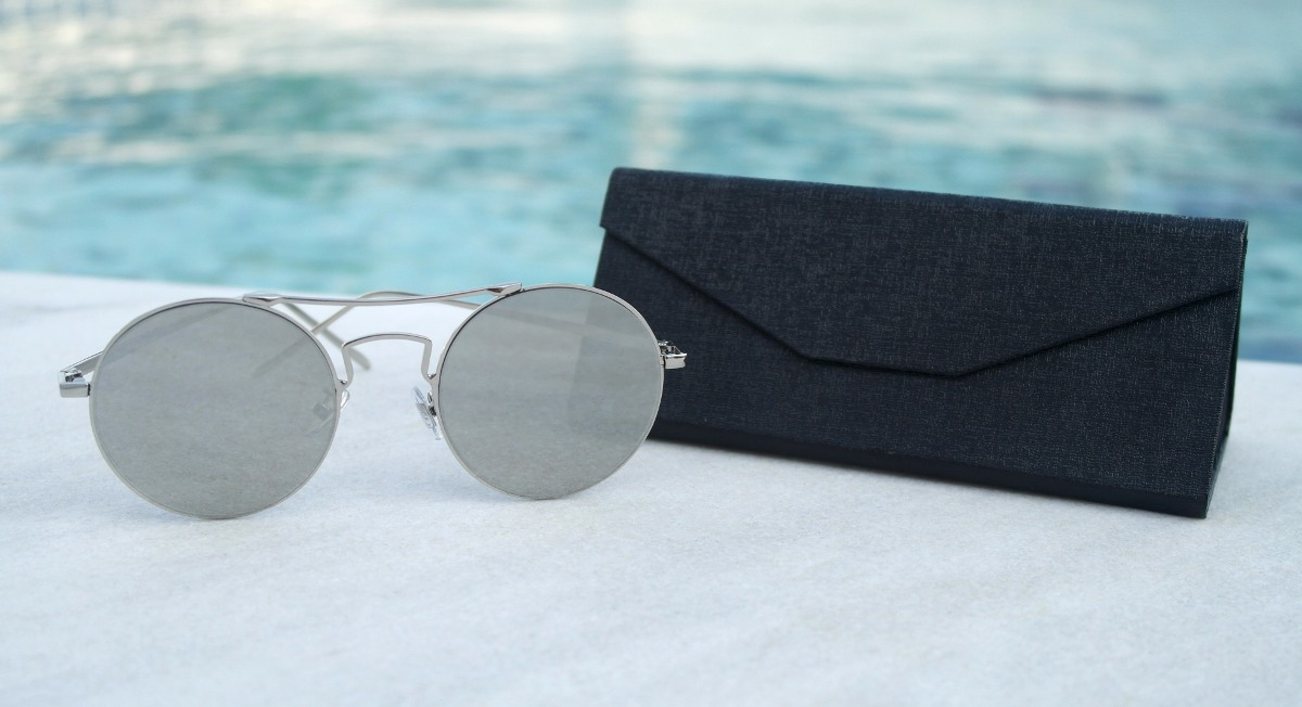 b7f32162e7db2 óculos de sol redondo feminino retrô prata case + brinde. Carregando zoom.