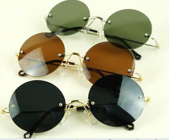 2f5496dd24abe Óculos De Sol Redondo Parafusado Lentes Policarbonato - R  120,95 em ...