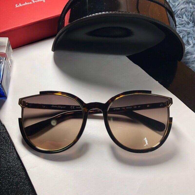 f23bc5901 Óculos De Sol Salvatore Ferragamo Feminino Acetato - R$ 399,00 em ...