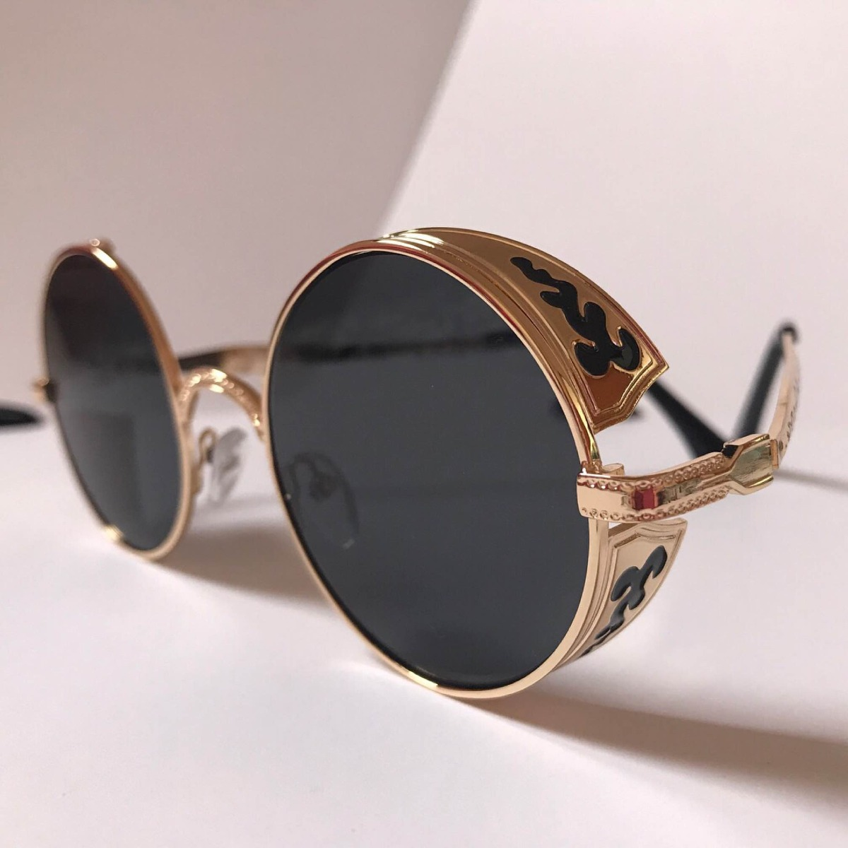 Óculos De Sol Steampunk Redondo Vintage - Frete Grátis - R  85,00 em ... a78c8d0058