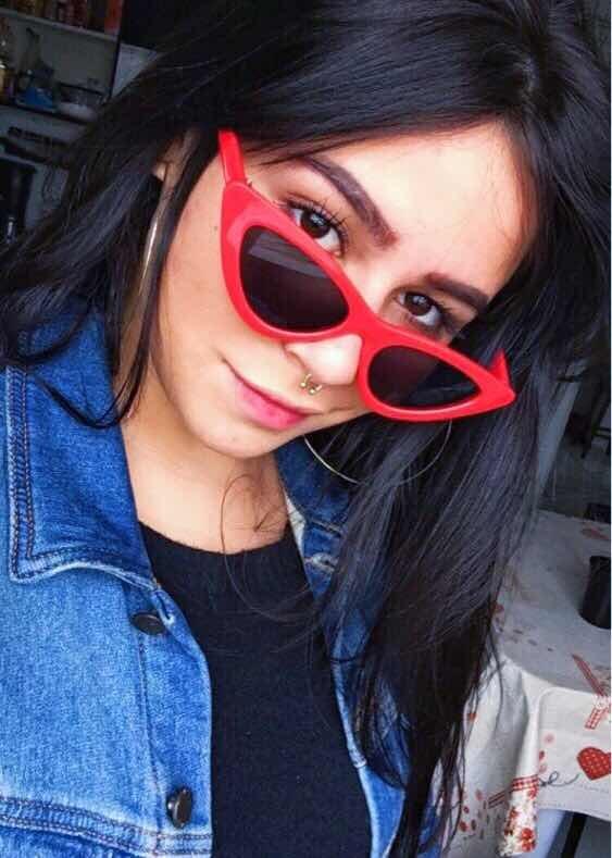 9f23a7b191e16 Óculos De Sol Triangular Retro Vintage Gatinho Vermelho - R  39,90 ...