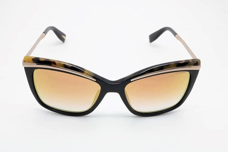 3fe499f97178b Óculos De Sol Victor Hugo Sh1739 Preto Dourado - R  1.064,00 em ...