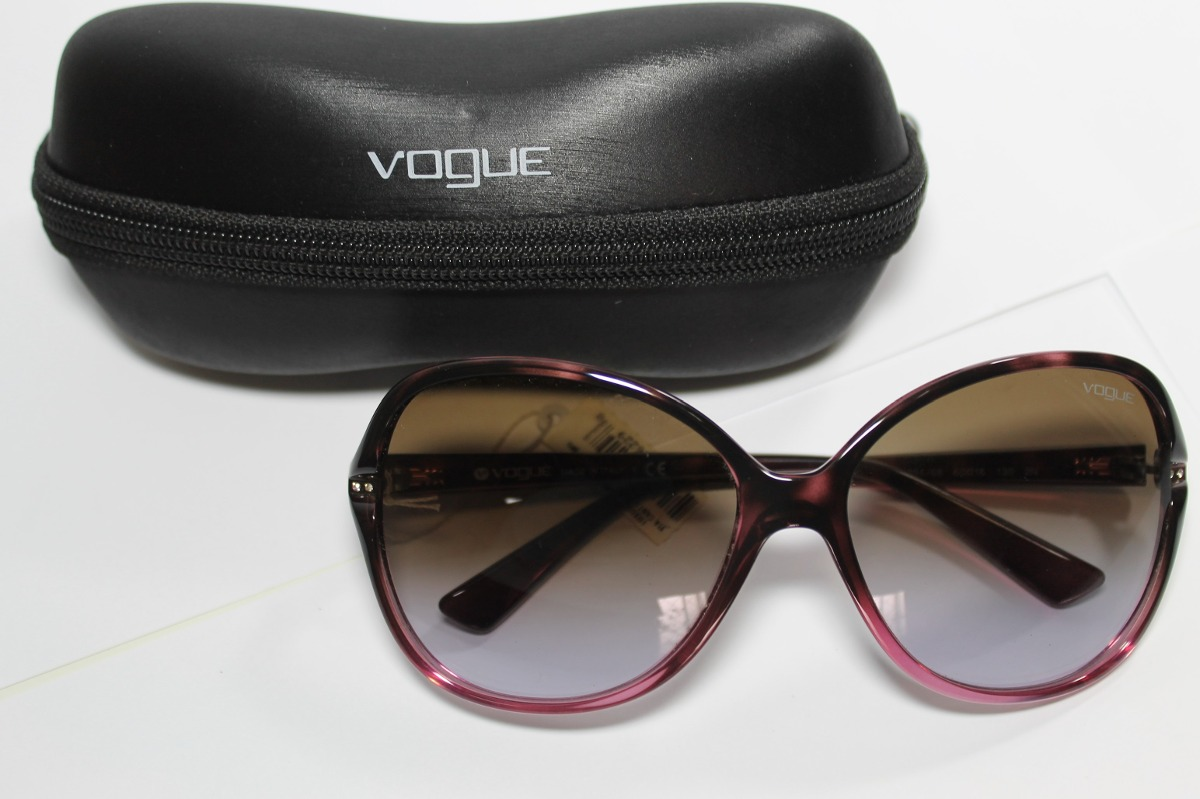 5b41f4b72196a Óculos De Sol Vogue Cód. Vo2704-s-b 1994 68 - R  365,00 em Mercado Livre