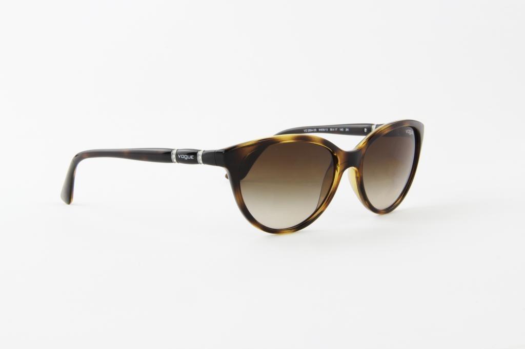 b1824fc0b7b75 óculos de sol vogue marrom tartaruga lente marrom. Carregando zoom.