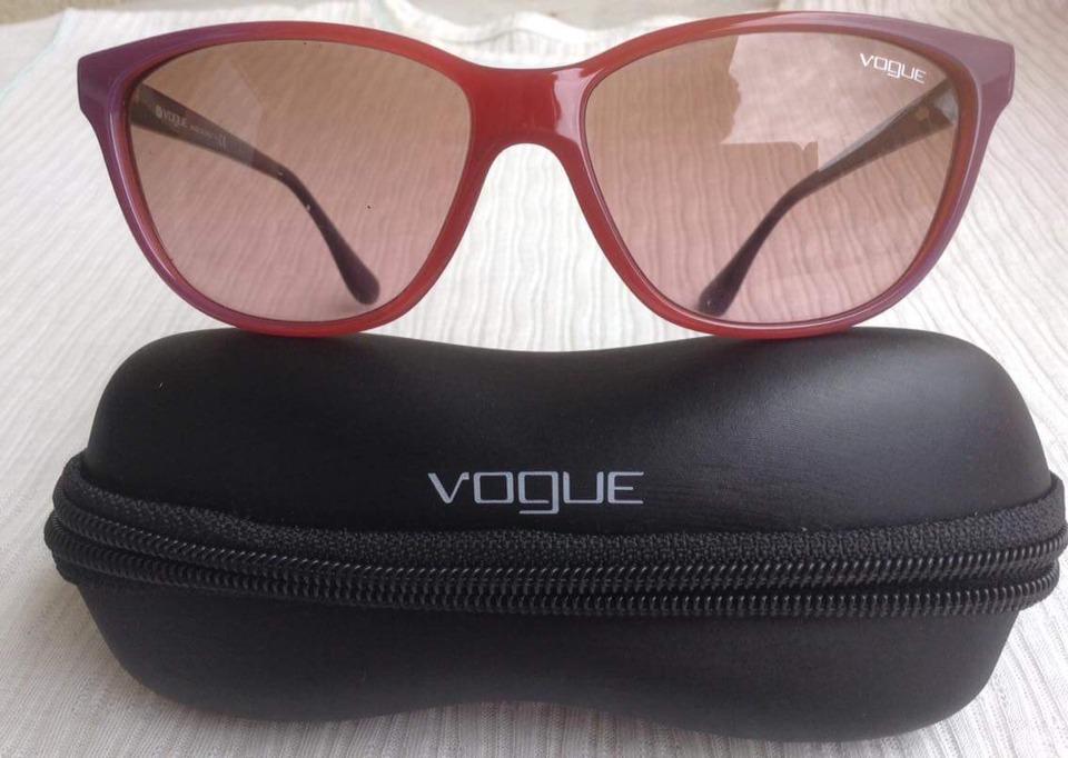 4c79759b0 Óculos De Sol Vogue, Original Semi Novo. Lindo !! - R$ 200,00 em ...