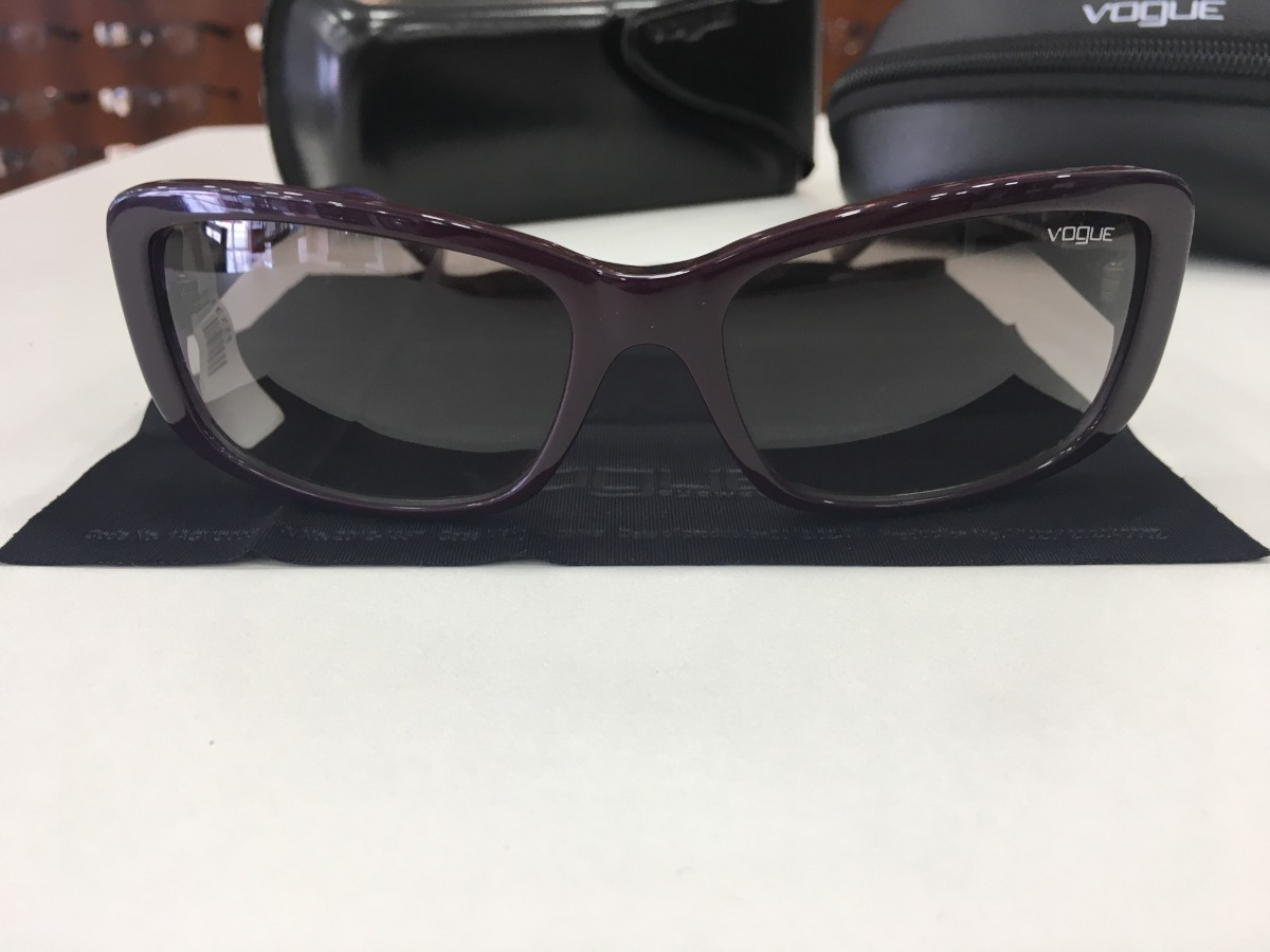 3603a8d6d Óculos De Sol Vogue   Vo 2661-s 1887/11 57 16 135 2n Roxo - R$ 299 ...