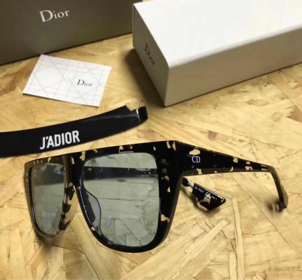 e233102a722af Óculos Dior Jadior Croco Com Lente Azul Original - R  1.678,80 em Mercado  Livre