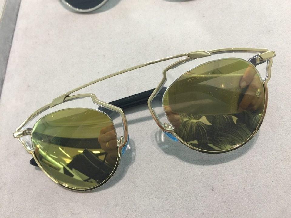 8c3f8b75449e0 oculos dior so real dourado original lente dourada. Carregando zoom.