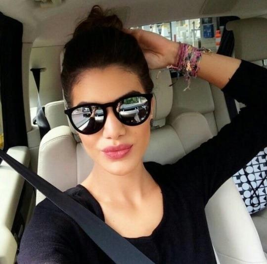 24f0f98fdd9d4 Óculos Escuro Última Moda Para Mulher Espelhado Tumblr Lindo - R  39 ...