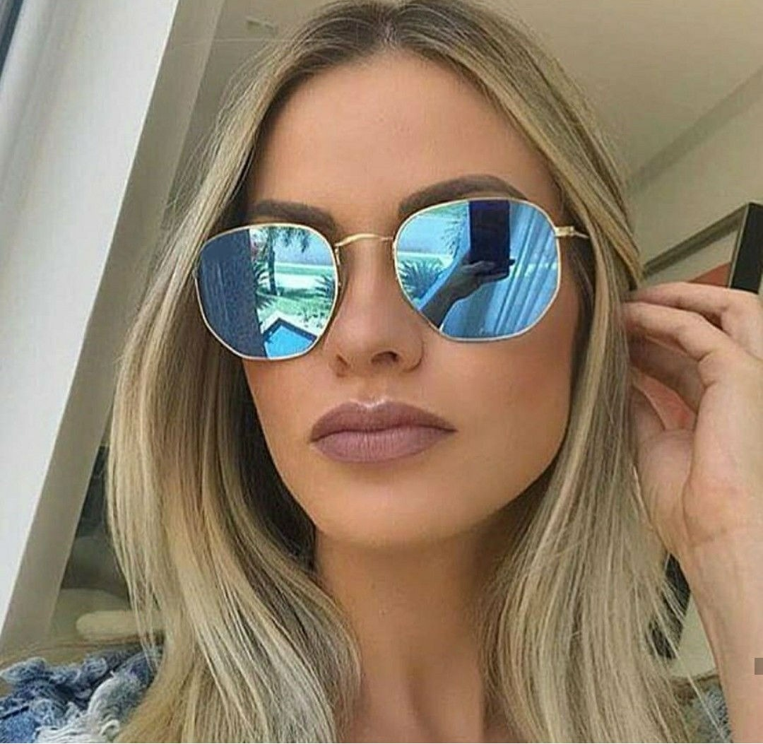 d25d6020a óculos espelhado azul tendencia 2019 moda praia luxo mulher. Carregando zoom .