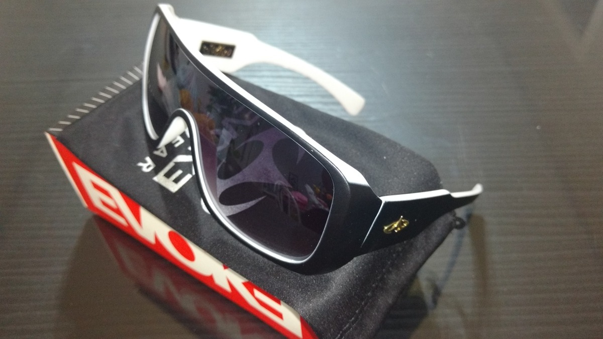 óculos evoke abaixo do preço frete gratis para o brasil. Carregando zoom. c4a7d6c488