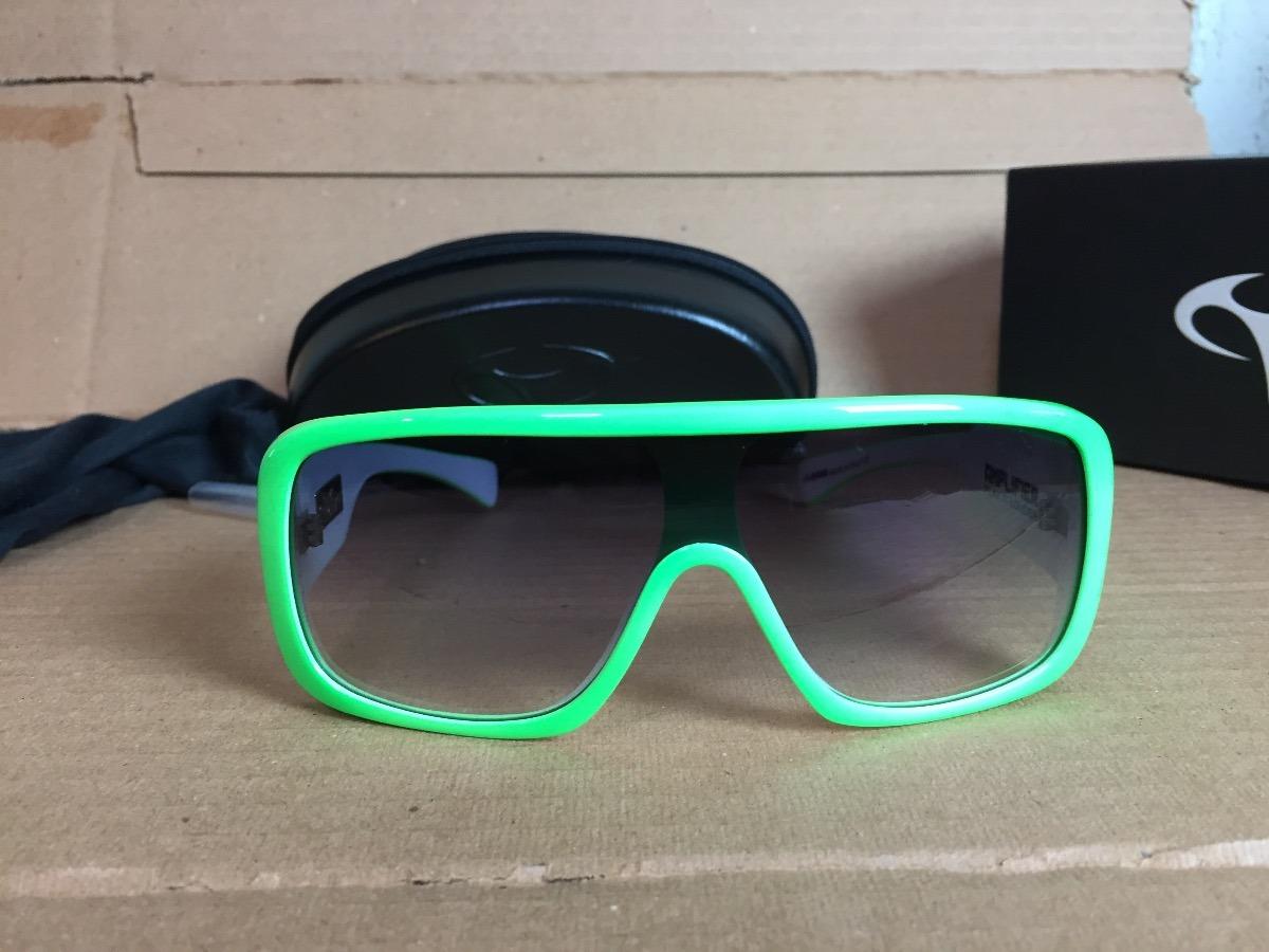 41f457daf Óculos Evoke Amplifier Green Fluor White Degrade - R$ 130,00 em ...