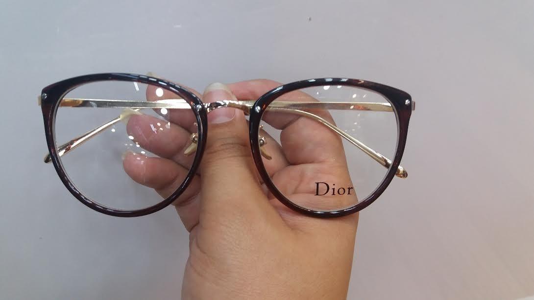652546a8a3f51 oculos feminino armacao grau geek redondo quadrado brinde. Carregando zoom.