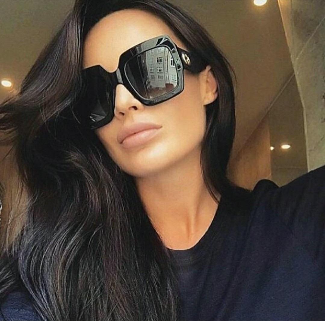 óculos feminino de sol escuro espelhado estiloso chiquérrimo. Carregando  zoom. 382d7d2c49