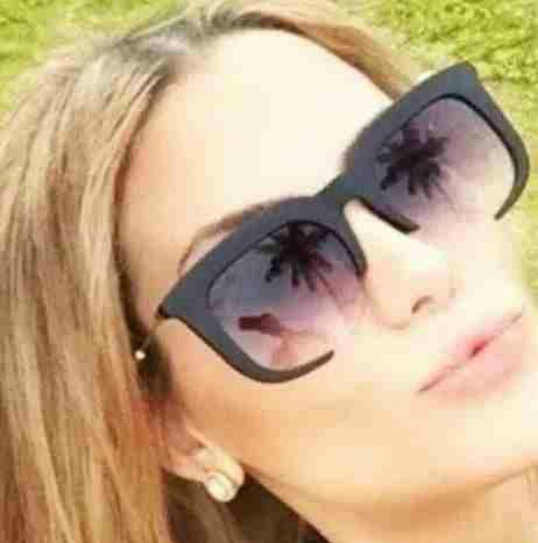 0fa932cf4a035 óculos feminino quadrado grande estiloso blogueiras. Carregando zoom.