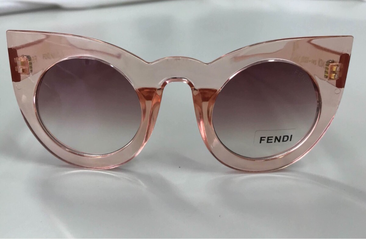 e465b8789b7ad óculos fendi sol gatinho grande transparente sexy. Carregando zoom.