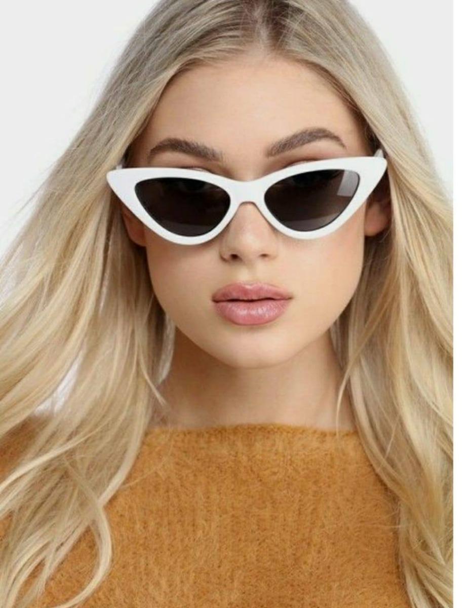 8dc3cea78d86f óculos gatinho triangular cat eye anos 90 tendencia promoção. Carregando  zoom.